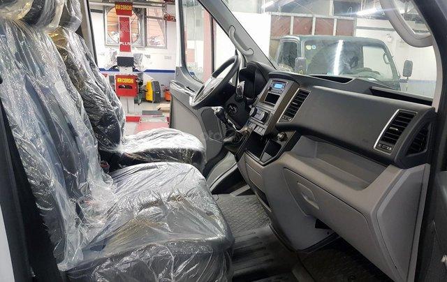 Bán ô tô Hyundai Solati 2018, màu bạc, có giao ngay. LH: 097162623815