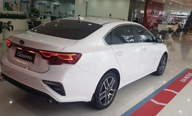 Bán ô tô Kia Cerato năm 2019, màu trắng, giá tốt3