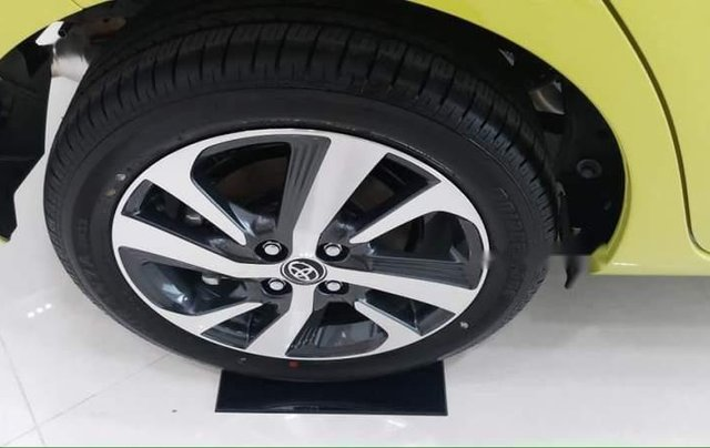 Bán Toyota Yaris 2019, màu vàng, nhập khẩu3