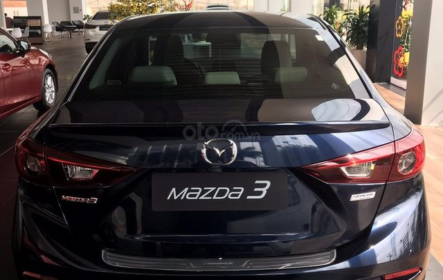 Bán Mazda 3 1.5 Sedan 2019, vay 85%, trả trước 175tr2