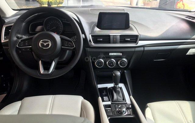 Bán Mazda 3 1.5 Sedan 2019, vay 85%, trả trước 175tr3