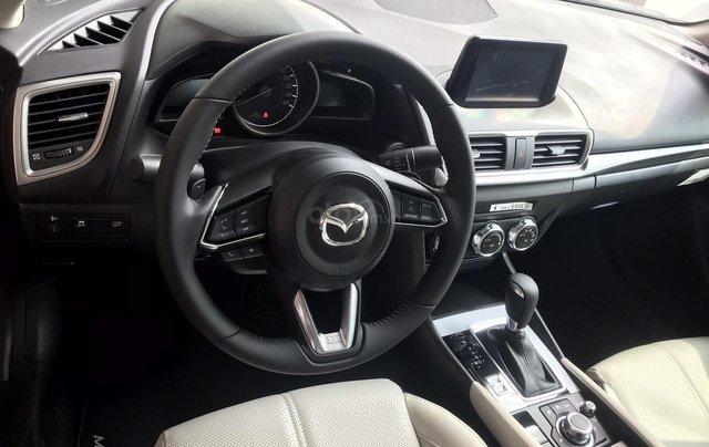 Bán Mazda 3 1.5 Sedan 2019, vay 85%, trả trước 175tr5