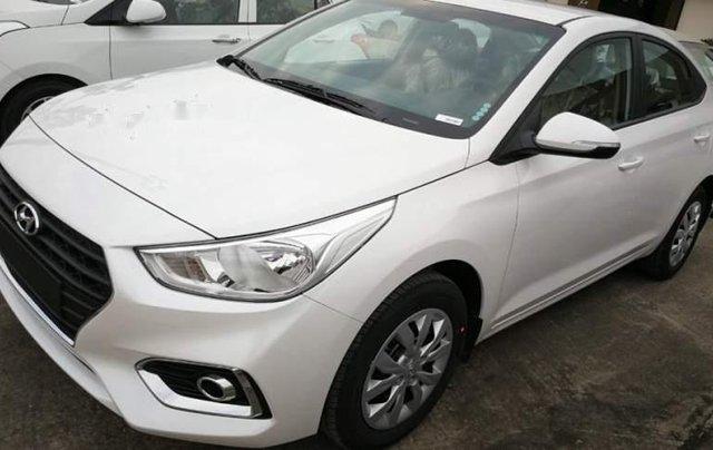 Bán Hyundai Accent đời 2018, màu trắng3