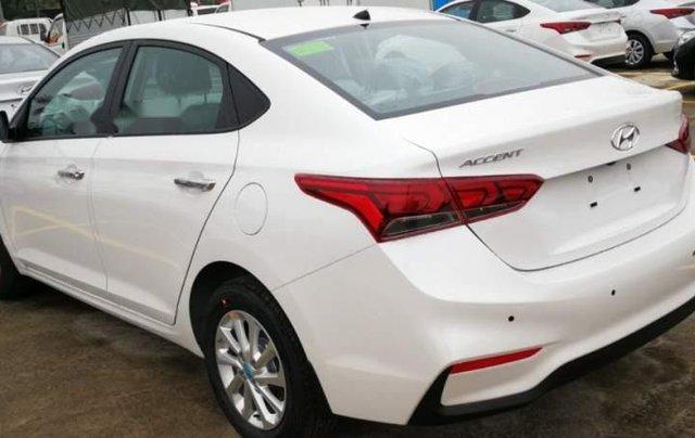 Bán Hyundai Accent đời 2018, màu trắng1