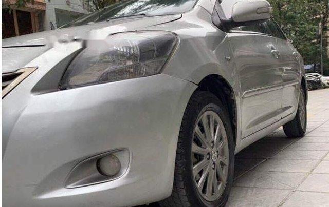 Cần bán xe Toyota Vios 2014, màu bạc còn mới, giá tốt