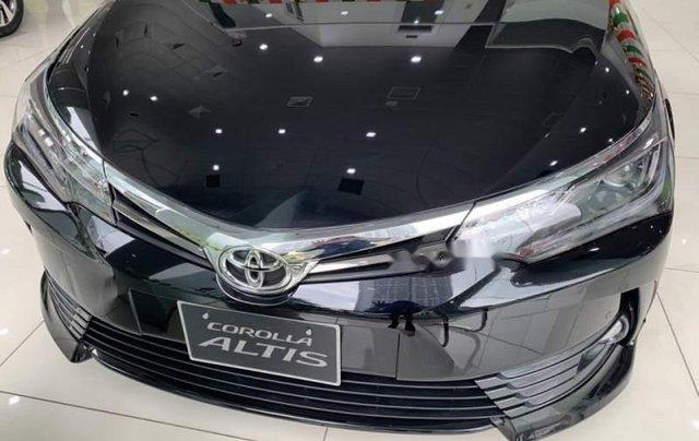 Bán Toyota Corolla Altis 2019, màu đen, giá tốt1