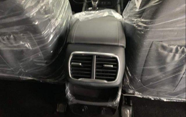Cần bán Hyundai Santa Fe năm sản xuất 2019, giá chỉ 995 triệu4