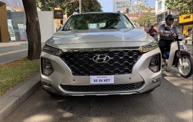 Cần bán Hyundai Santa Fe năm sản xuất 2019, giá chỉ 995 triệu0