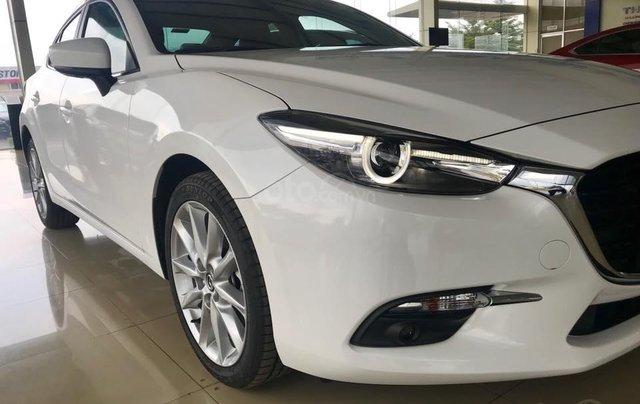 Bán Mazda 3 2.0 sedan 2019 ưu đãi lớn - trả góp 90% - giao xe ngay - Hotline: 09735601371