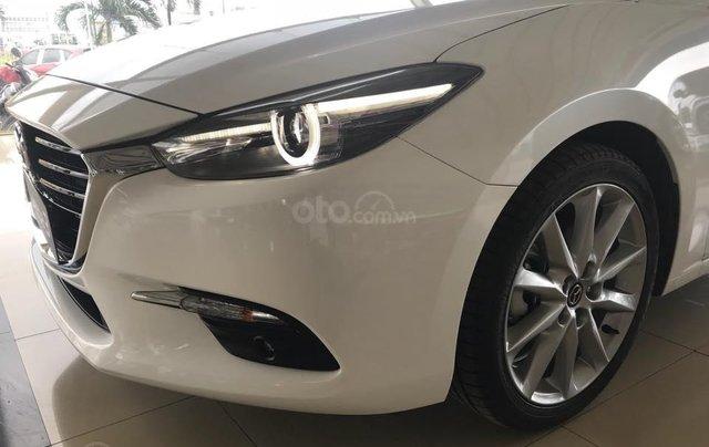 Bán Mazda 3 2.0 sedan 2019 ưu đãi lớn - trả góp 90% - giao xe ngay - Hotline: 09735601372