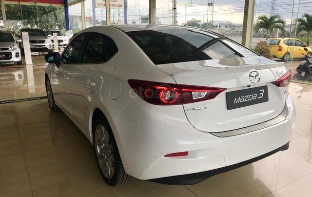 Bán Mazda 3 2.0 sedan 2019 ưu đãi lớn - trả góp 90% - giao xe ngay - Hotline: 09735601375