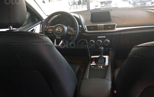Bán Mazda 3 2.0 sedan 2019 ưu đãi lớn - trả góp 90% - giao xe ngay - Hotline: 09735601377