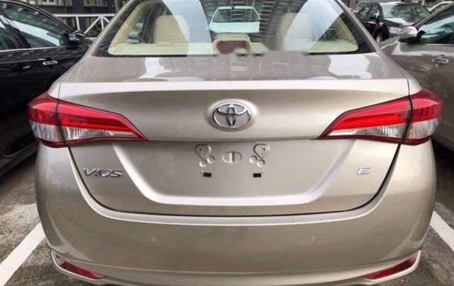 Bán Toyota Vios sản xuất 2019, màu vàng cát, ưu đãi hấp dẫn0