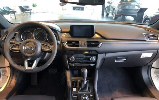 Bán Mazda 6 2.0 Premium sản xuất năm 2019, xe mới hoàn toàn4