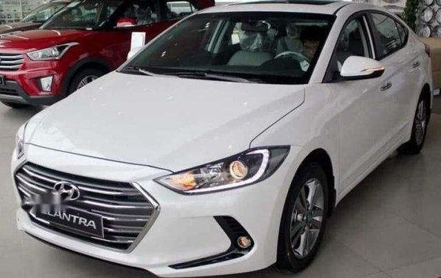 Bán Hyundai Elantra đời 2018, màu trắng, xe nhập1