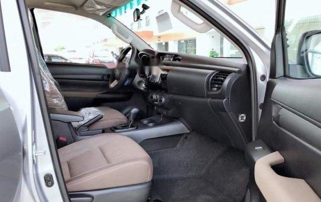 Cần bán Toyota Hilux 2019, nhập khẩu, xe giá thấp, giao nhanh5