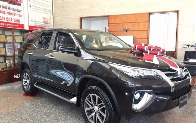 Bán Toyota Fortuner 2.8 AT 2019, màu đen, nhập khẩu nguyên chiếc0