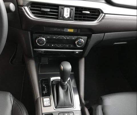 Bán xe Mazda 6 sản xuất 2019, màu đỏ, mới hoàn toàn4
