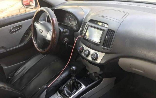 Cần bán lại xe Hyundai Avante 2015, màu bạc còn mới5