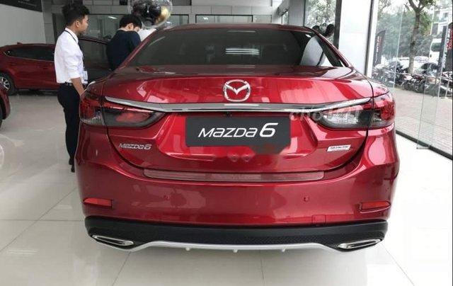 Bán xe Mazda 6 sản xuất 2019, màu đỏ, mới hoàn toàn2
