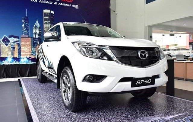 Bán ô tô Mazda BT 50 2.2 MT đời 2019, màu trắng, xe nhập0