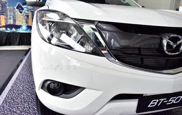Bán ô tô Mazda BT 50 2.2 MT đời 2019, màu trắng, xe nhập4