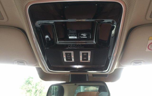 Cần bán xe LandRover Range Rover SV Autobiography model 2016, màu đen, xe cực chất, odo zin 10.000km2