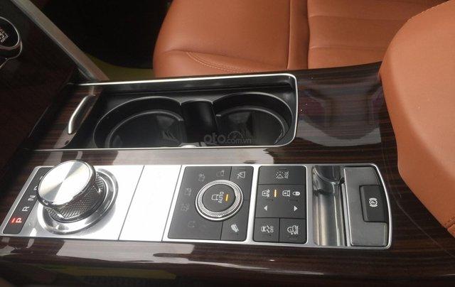 Cần bán xe LandRover Range Rover SV Autobiography model 2016, màu đen, xe cực chất, odo zin 10.000km23