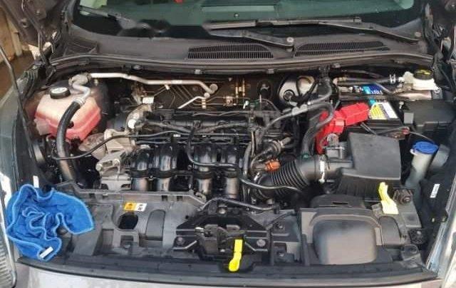 Cần bán gấp Ford Fiesta năm 2014, màu xám còn mới, 399tr1