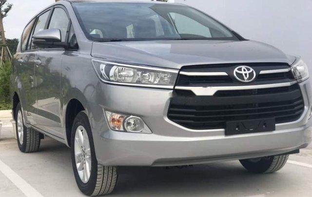 Cần bán Toyota Innova năm 2019, màu xám, giá tốt0