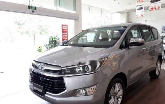 Cần bán Toyota Innova năm 2019, màu xám, giá tốt4