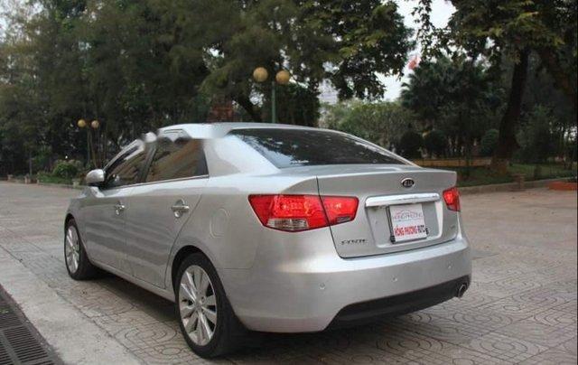 Cần bán Kia Forte Sli 2010, màu bạc, xe nhập1