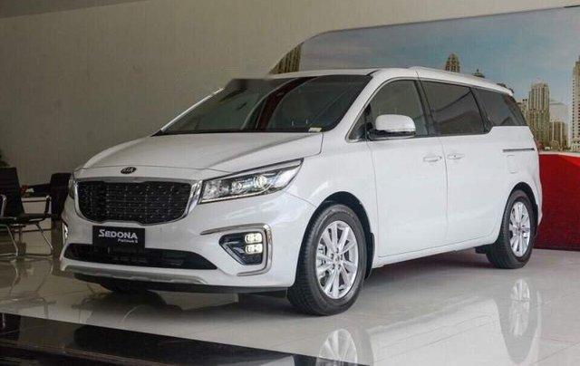 Bán Kia Sedona 2019, màu trắng, nhập khẩu5