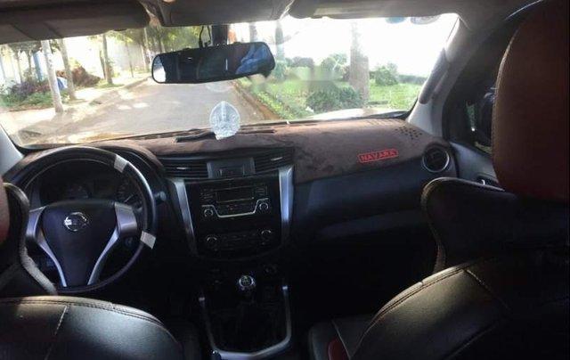Bán Nissan Navara đời 2017 số sàn, 580tr3