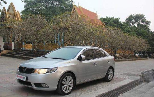 Cần bán Kia Forte Sli 2010, màu bạc, xe nhập0
