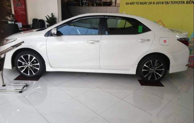 Bán xe Toyota Corolla altis 1.8G sản xuất 2019, màu trắng2