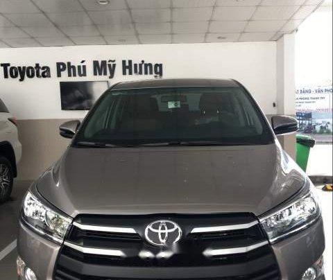 Cần bán Toyota Innova đời 2019, màu xám, giá 741tr0