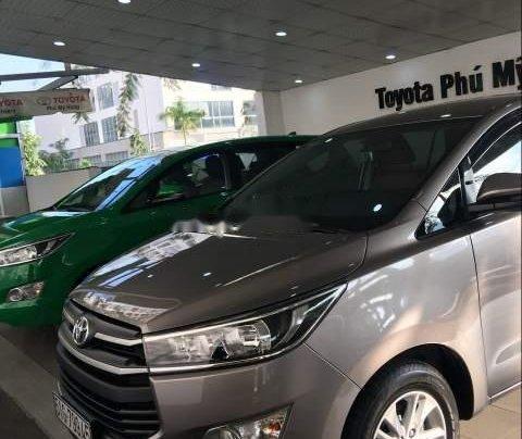 Cần bán Toyota Innova đời 2019, màu xám, giá 741tr1
