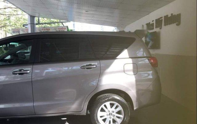 Cần bán Toyota Innova đời 2019, màu xám, giá 741tr4