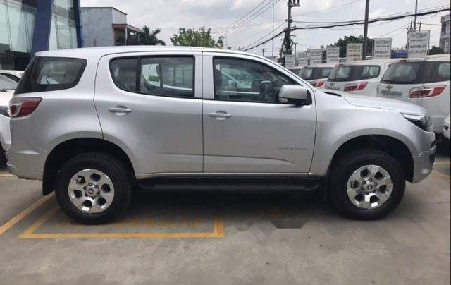 Cần bán xe Chevrolet Trailblazer LT MT 4x2 sản xuất 2019, màu bạc, nhập khẩu3
