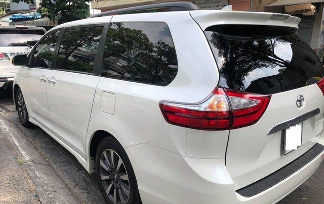 Cần bán xe Toyota Sienna Limited 3.5 sản xuất năm 2018, màu trắng, xe nhập2