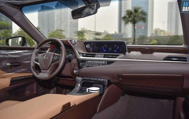 Bán Lexus ES 250 đời 2019, màu vàng cát, nhập khẩu5