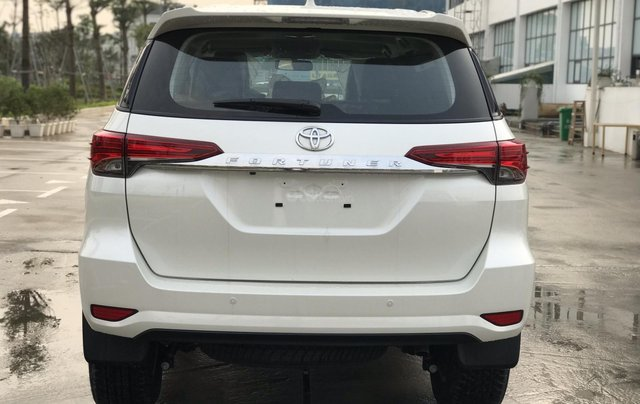 Bán Fortuner 2.7 V máy xăng, số tự động - NK Indonesia, xe mới 100%, giá tốt - LH 09424568384