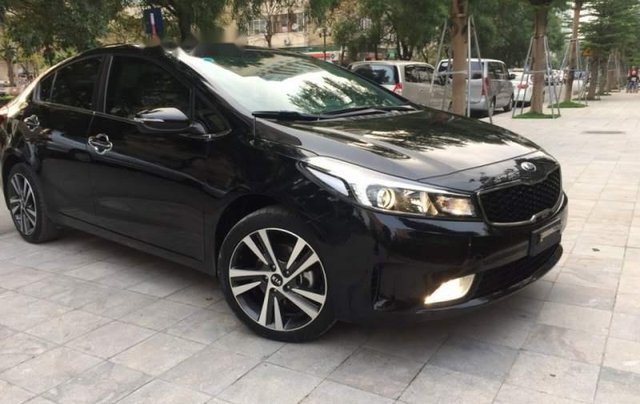 Cần bán Kia Cerato sản xuất năm 2018, màu đen1