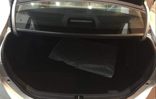 Bán Toyota Corolla Altis 1.8G năm sản xuất 2019, màu bạc, giá 751tr4