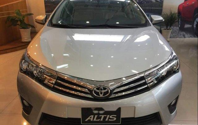 Bán Toyota Corolla Altis 1.8G năm sản xuất 2019, màu bạc, giá 751tr0