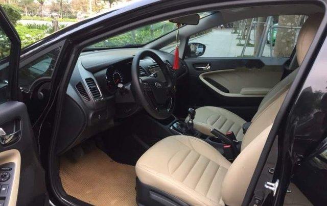 Cần bán Kia Cerato sản xuất năm 2018, màu đen2