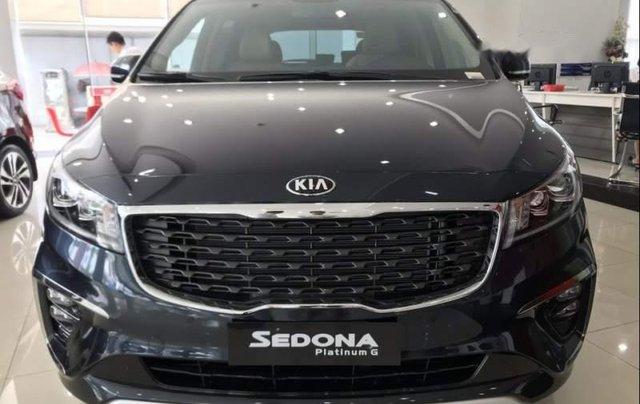 Bán xe Kia Sedona sản xuất 2019, màu xanh 4
