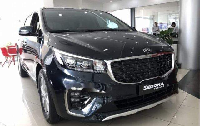 Bán xe Kia Sedona sản xuất 2019, màu xanh 0