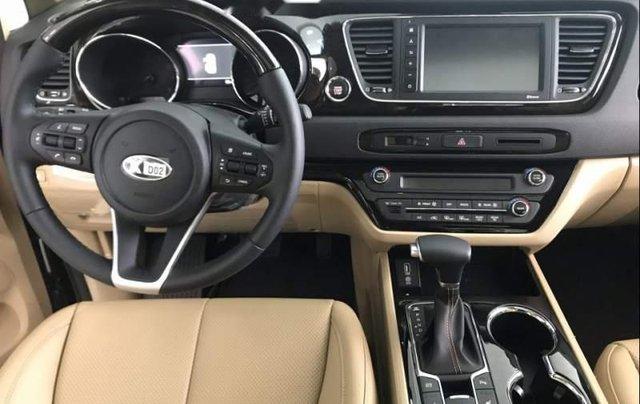 Bán xe Kia Sedona sản xuất 2019, màu xanh 2